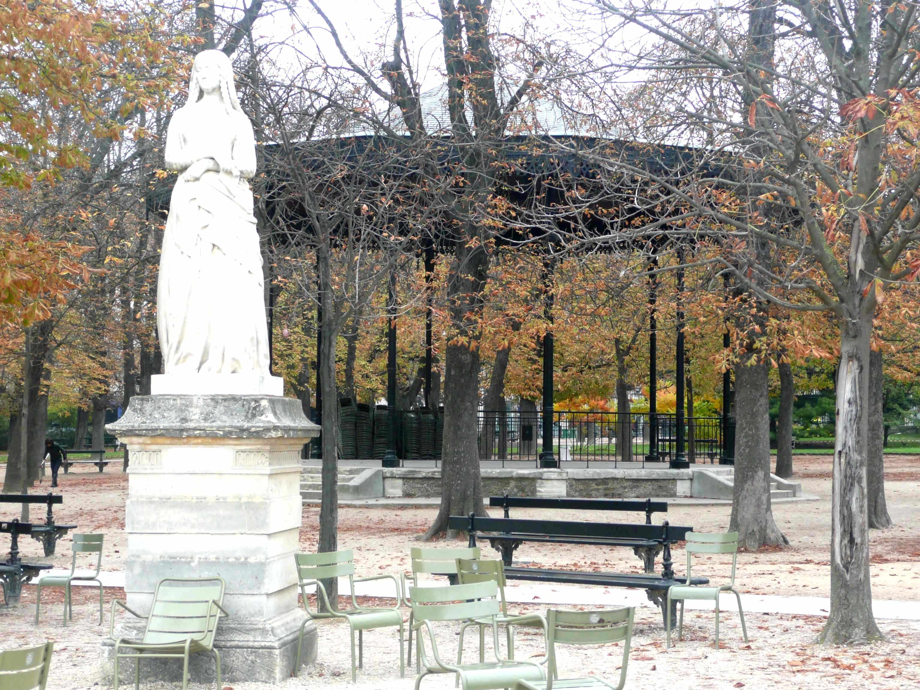 Automne au jardin du luxembourg for Chaise jardin du luxembourg