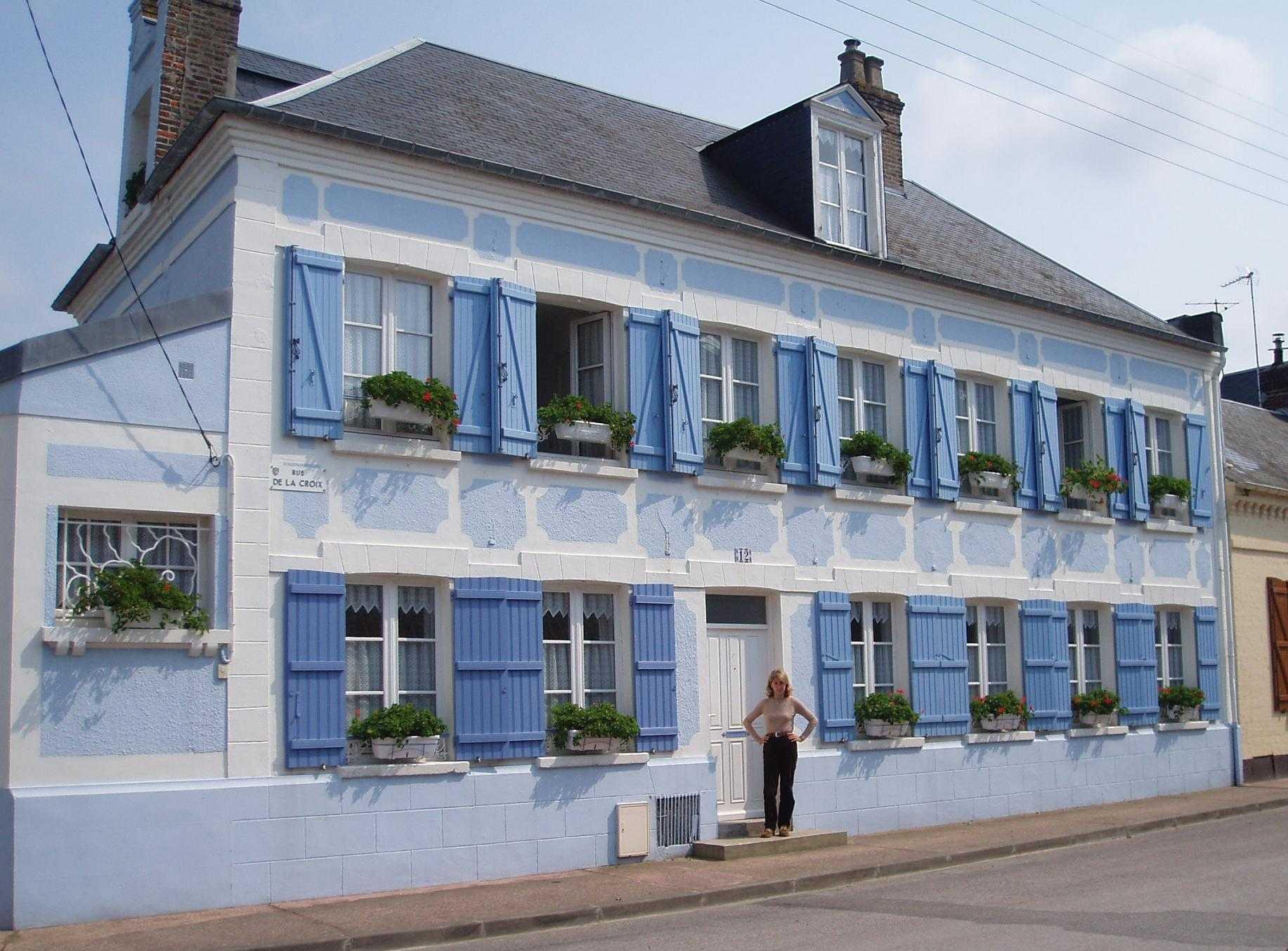 C est une maison bleue - Chanson une maison bleue ...