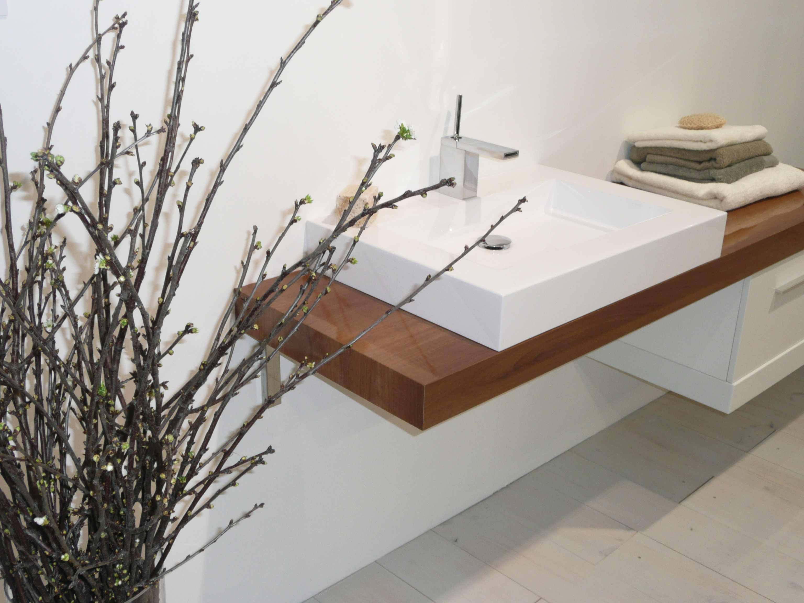 id obain 2012 salles de bains tous les tages. Black Bedroom Furniture Sets. Home Design Ideas