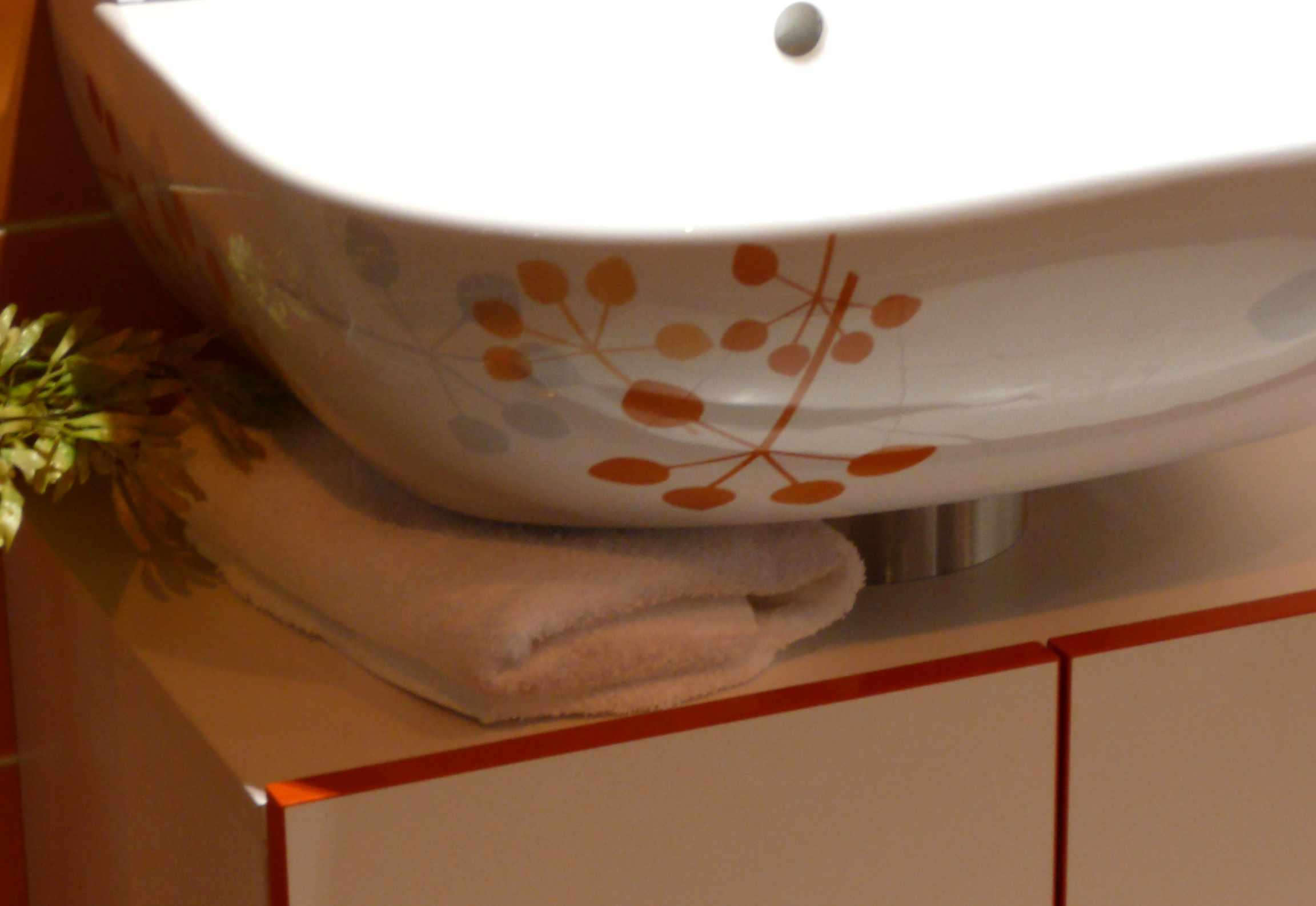 Salle De Bain Colorée Castorama : Meuble et vasque « Pretty Silhouette », Collection O novo Style chez …