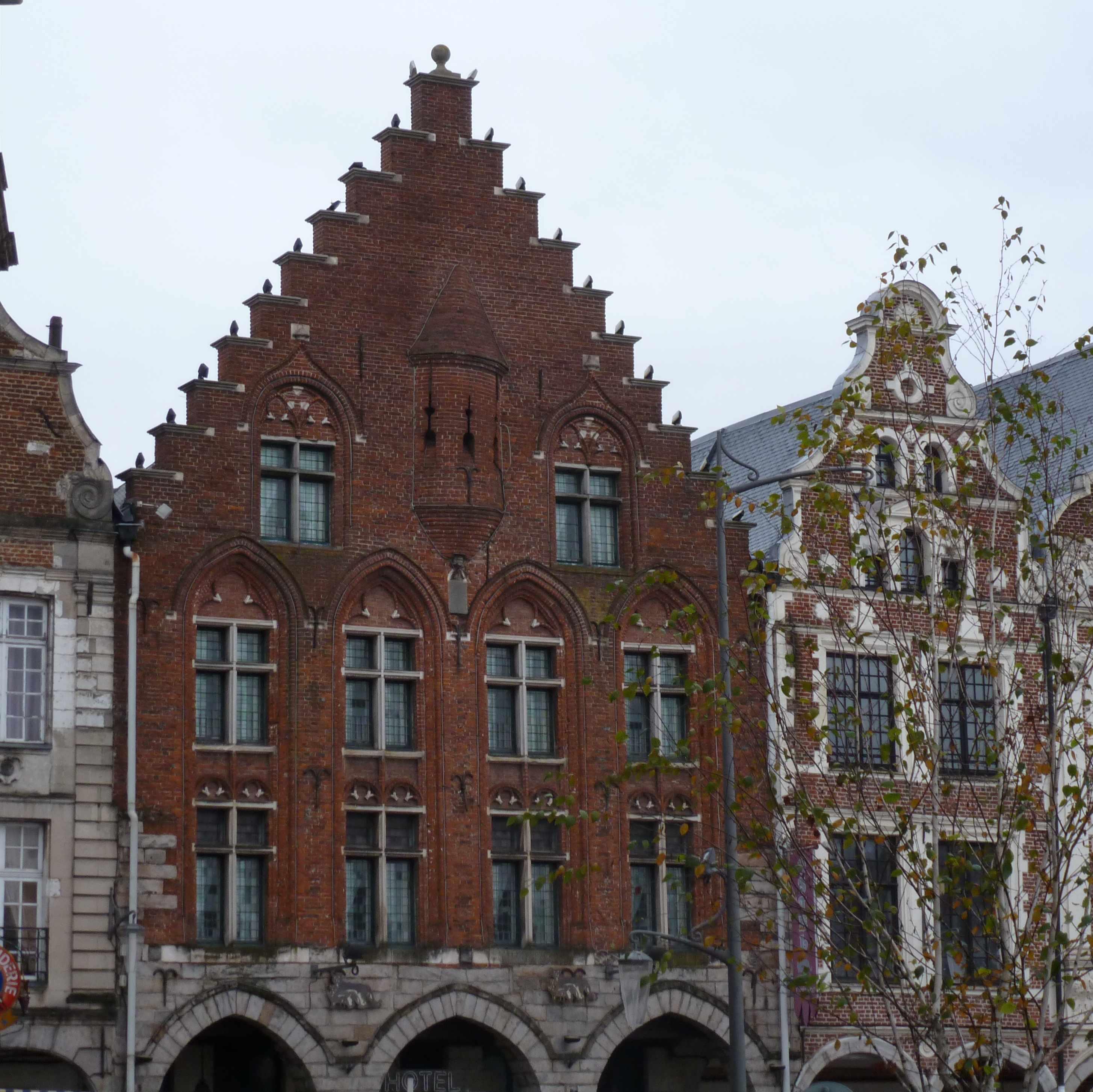 Maison pignon pas de moineau Arras grand'place 2012