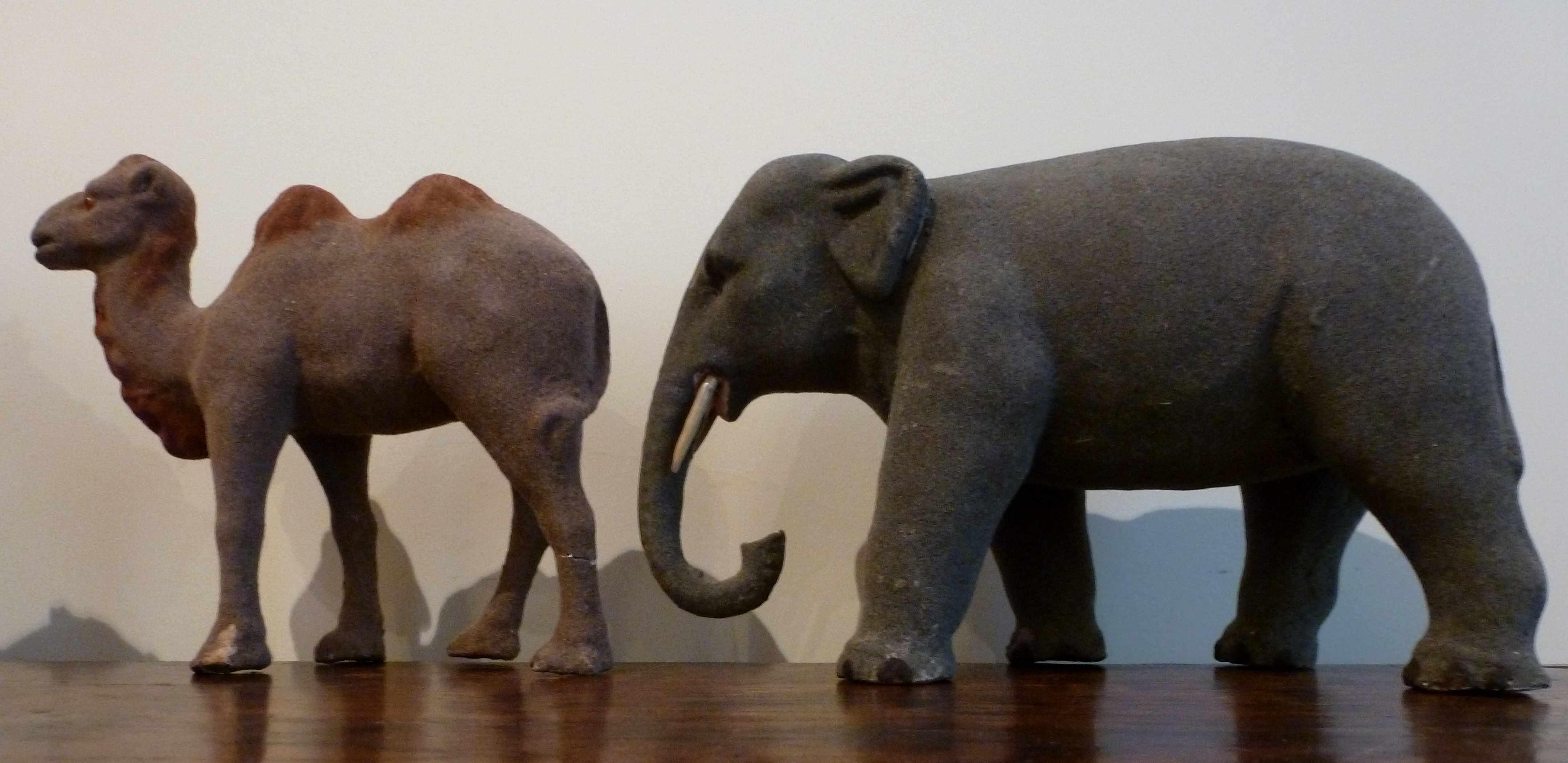 chameau et elephant anciens creche devineau
