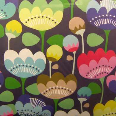Papier cadeau fleurs Paperchase sur Print & Pattern