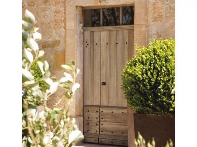 Porte a tablier-Relais chateau La Coquillade