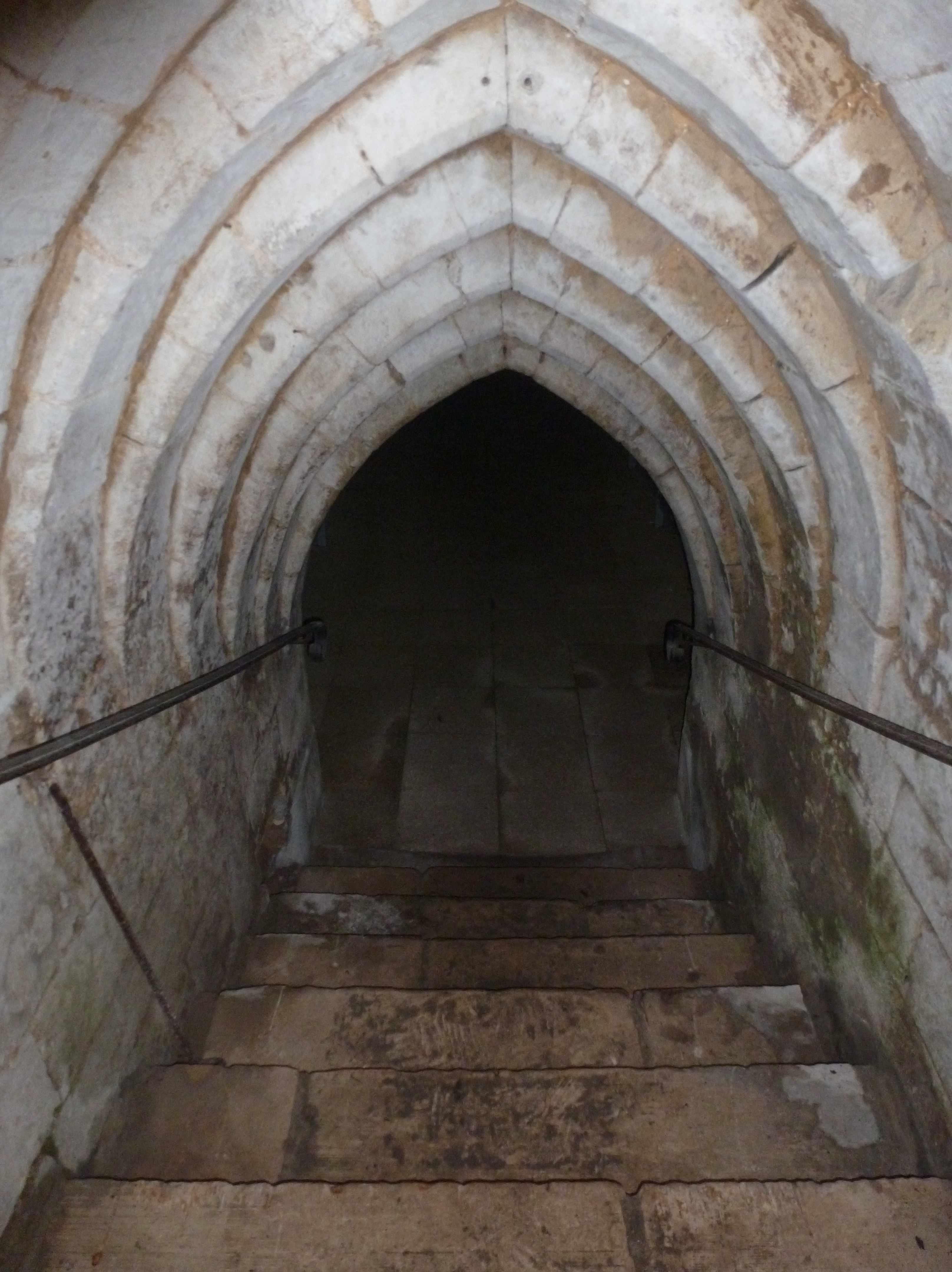 Abbaye Vaucelles escalier cave