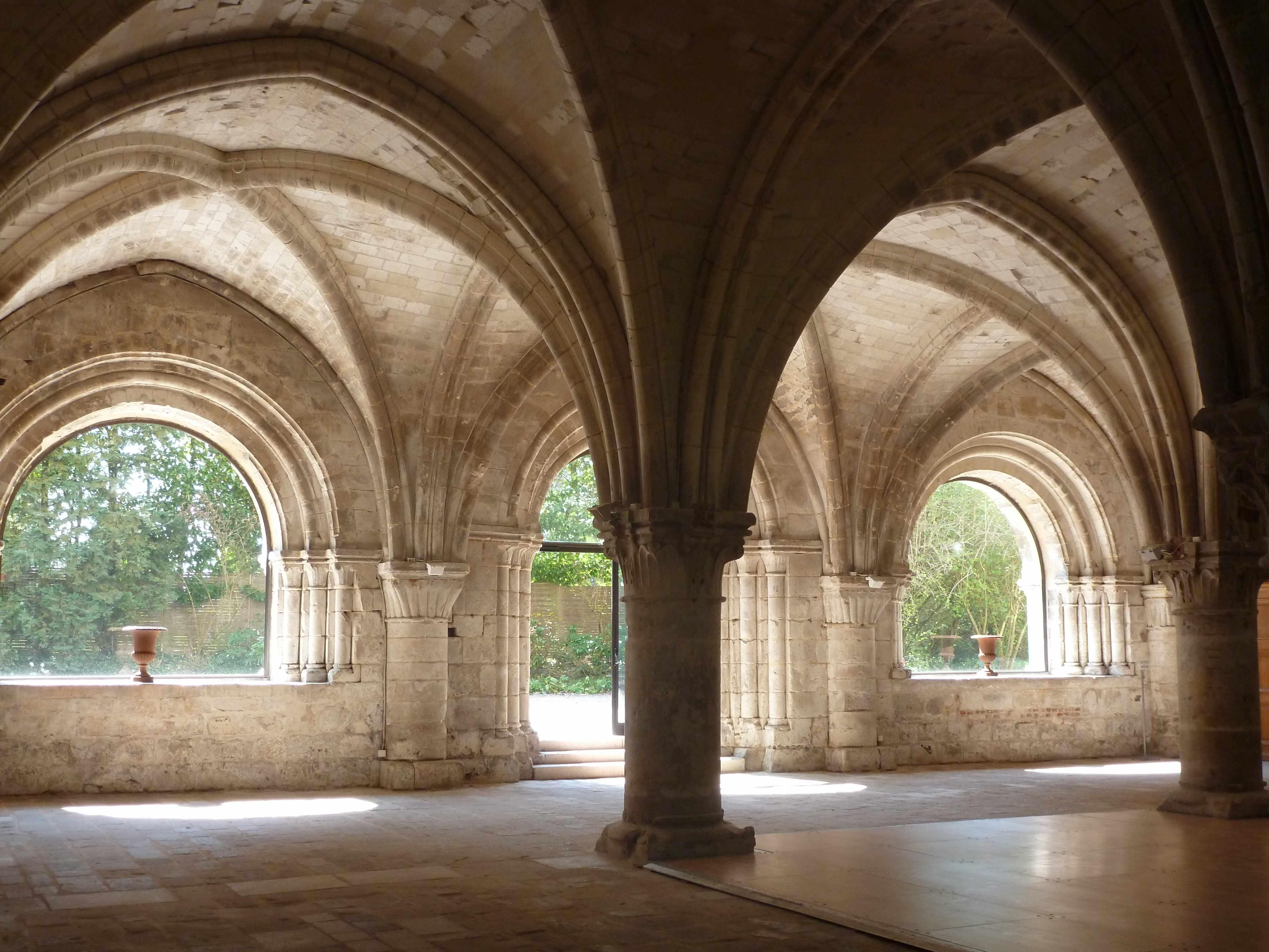 Abbaye Vaucelles salle capitulaire cloitre