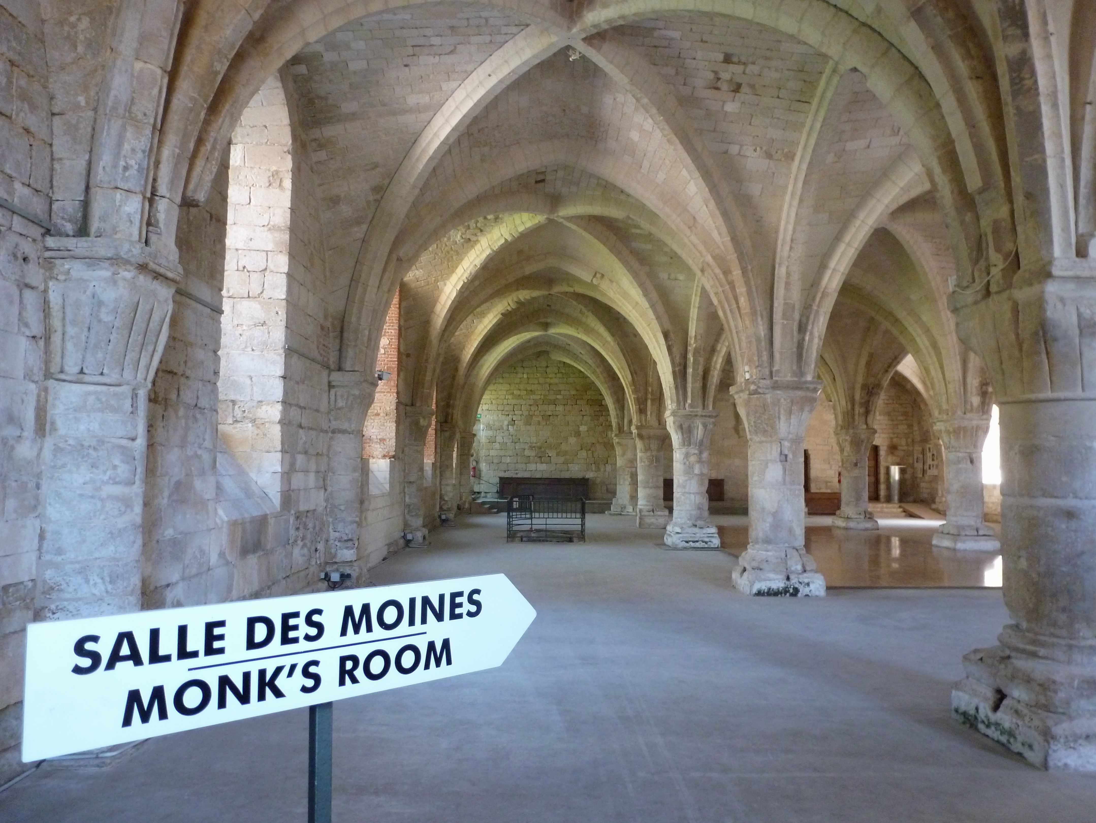 Abbaye Vaucelles salle moines 1