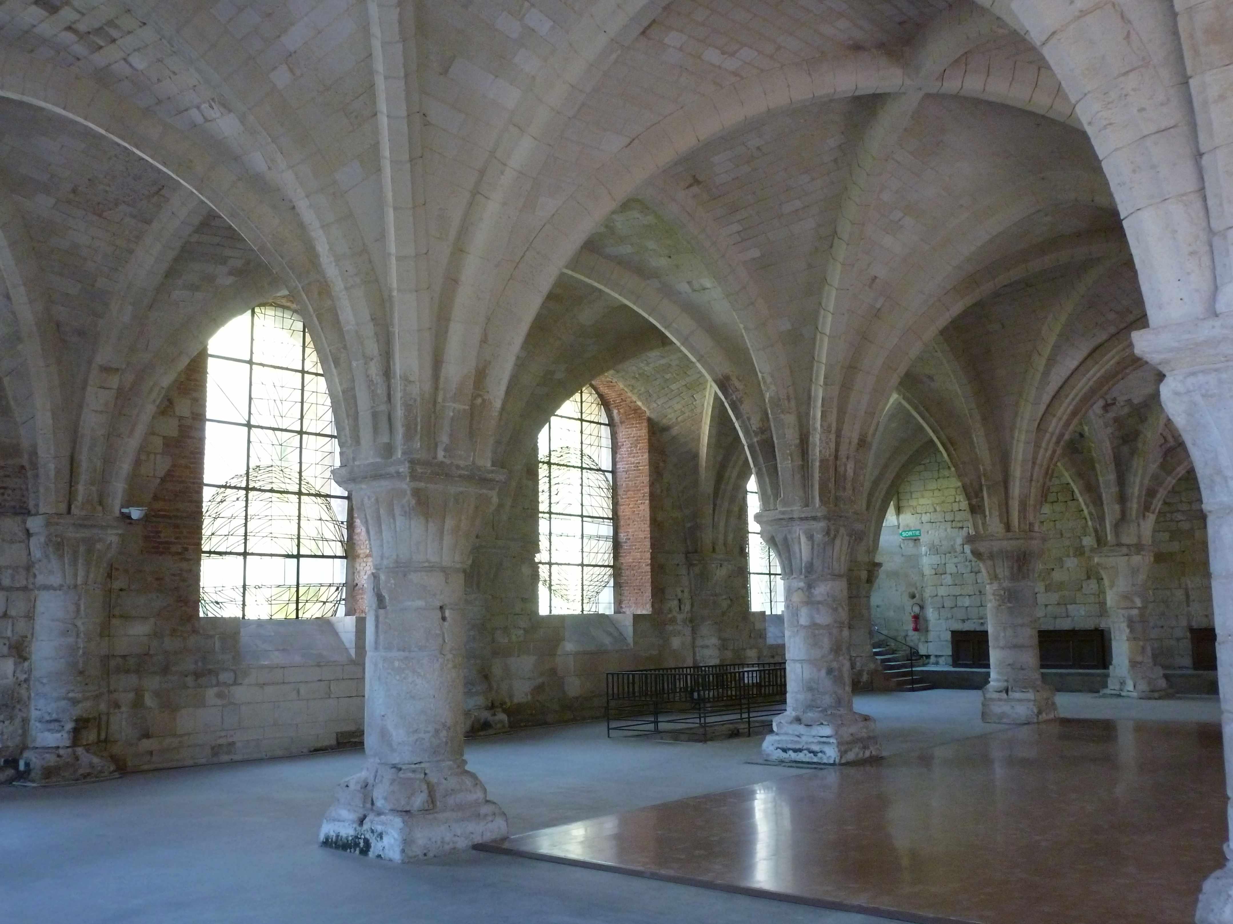 Abbaye Vaucelles salle moines 2