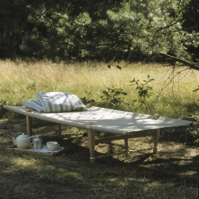7 Classic Canvas Cots for Summer Slumber REMODELISTA