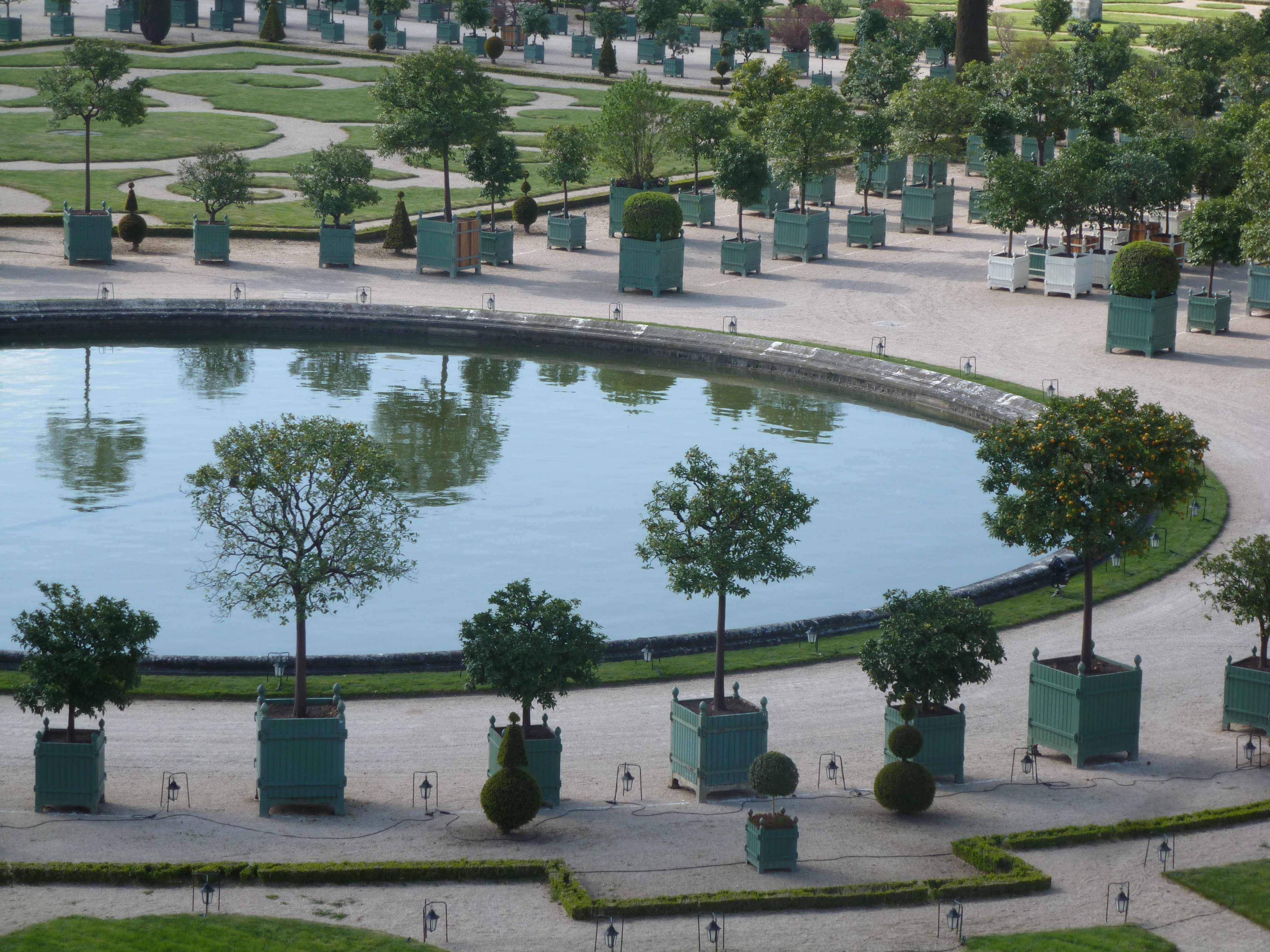 Versailles orangerie bassin et reflets 05-2013