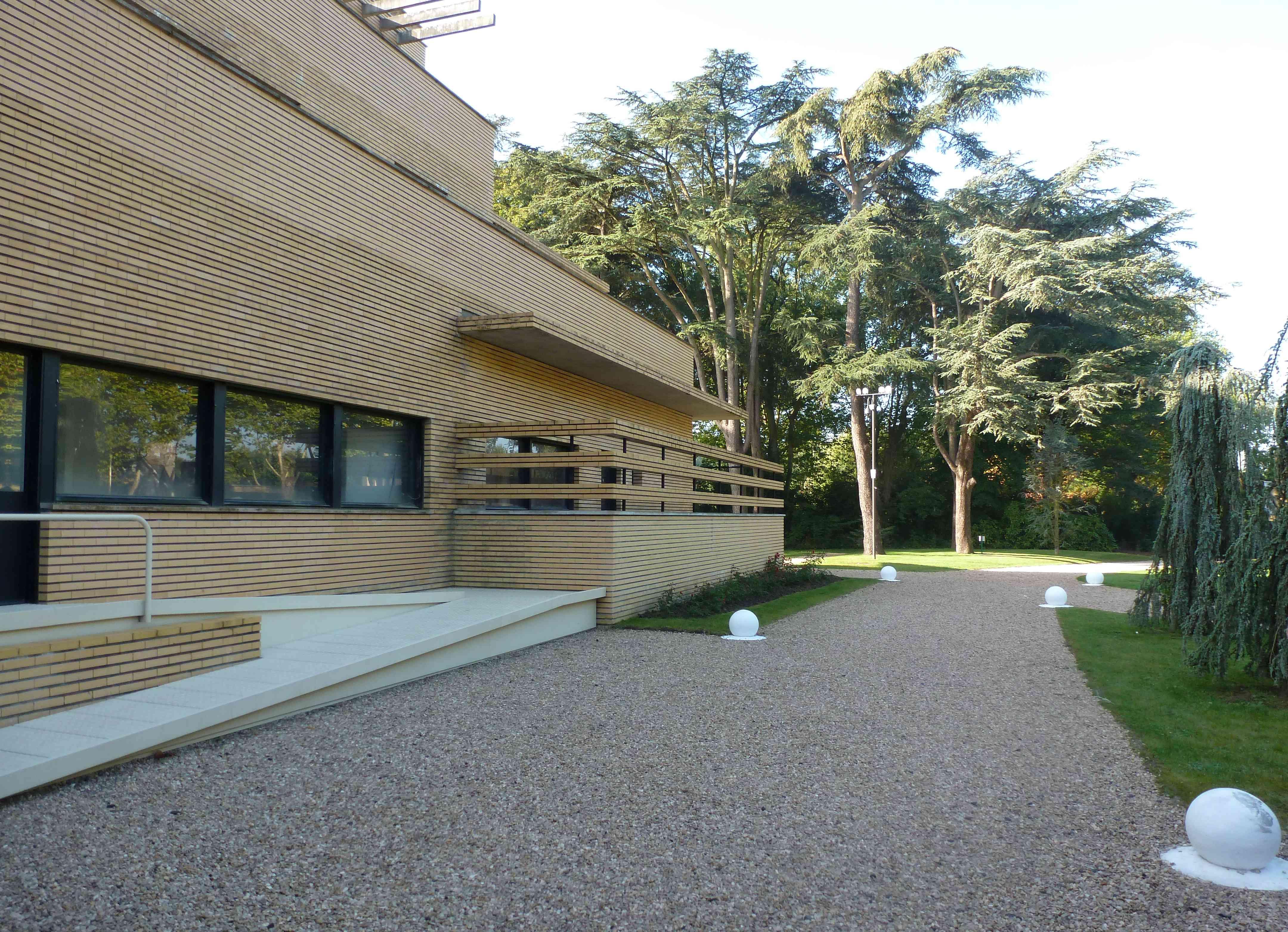 Villa Cavrois Croix 09-2013 facade
