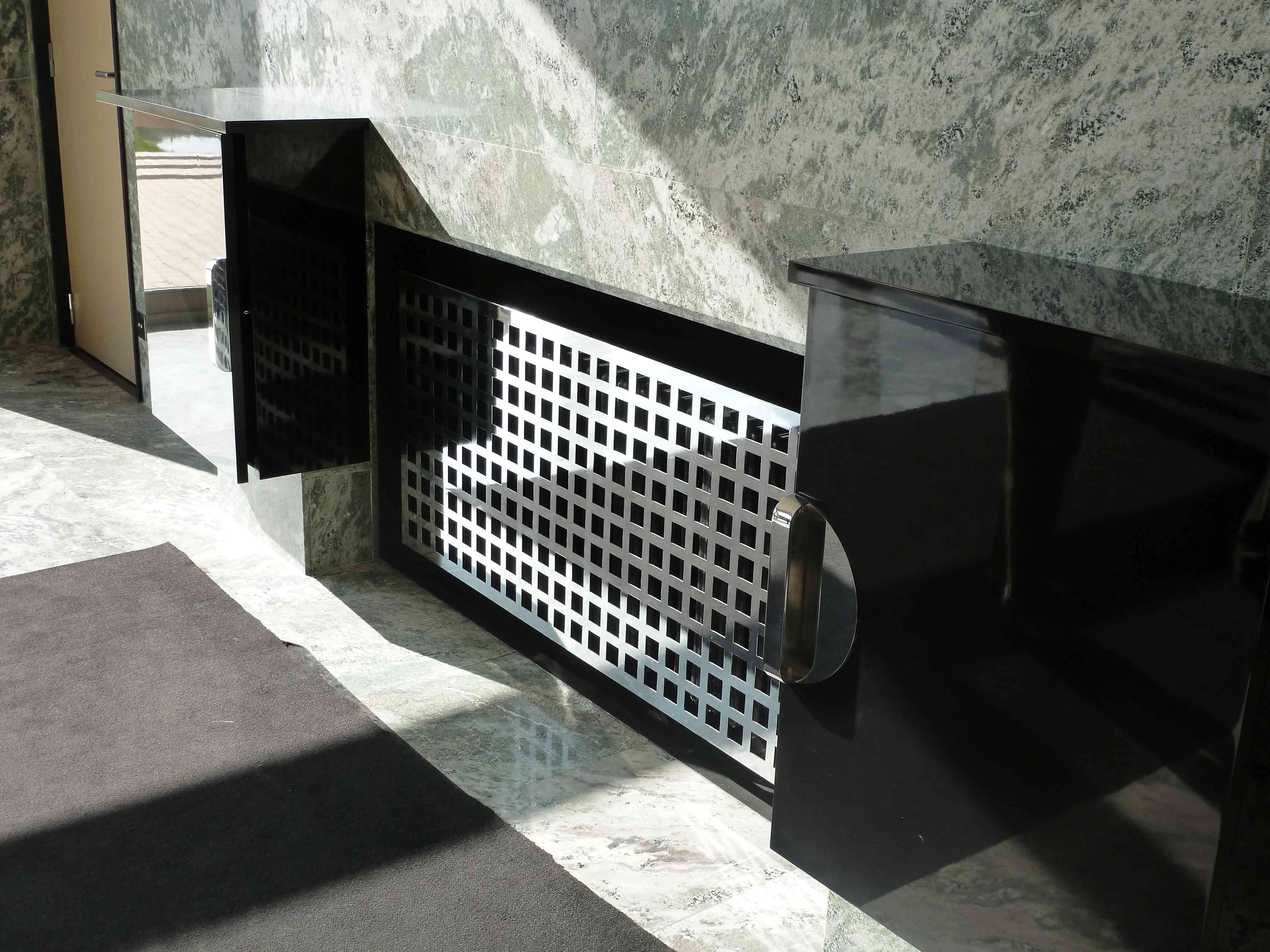 Villa Cavrois Croix 09-2013 salle-a-manger marbre radiateur