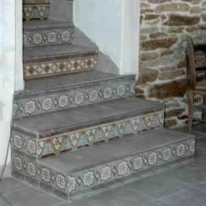 escalier carreaux de ciment SynopSyS-de-couleurs