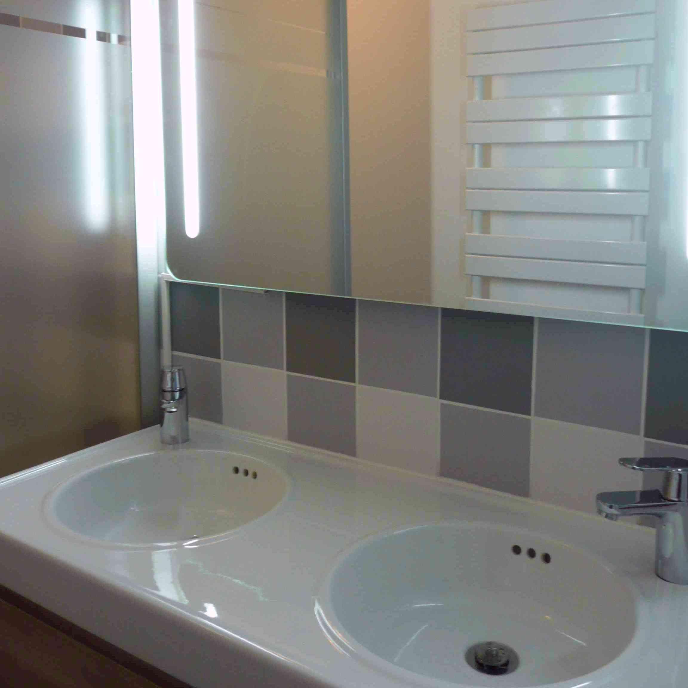 Salle de bain Lille double-vasque miroir-lumineux