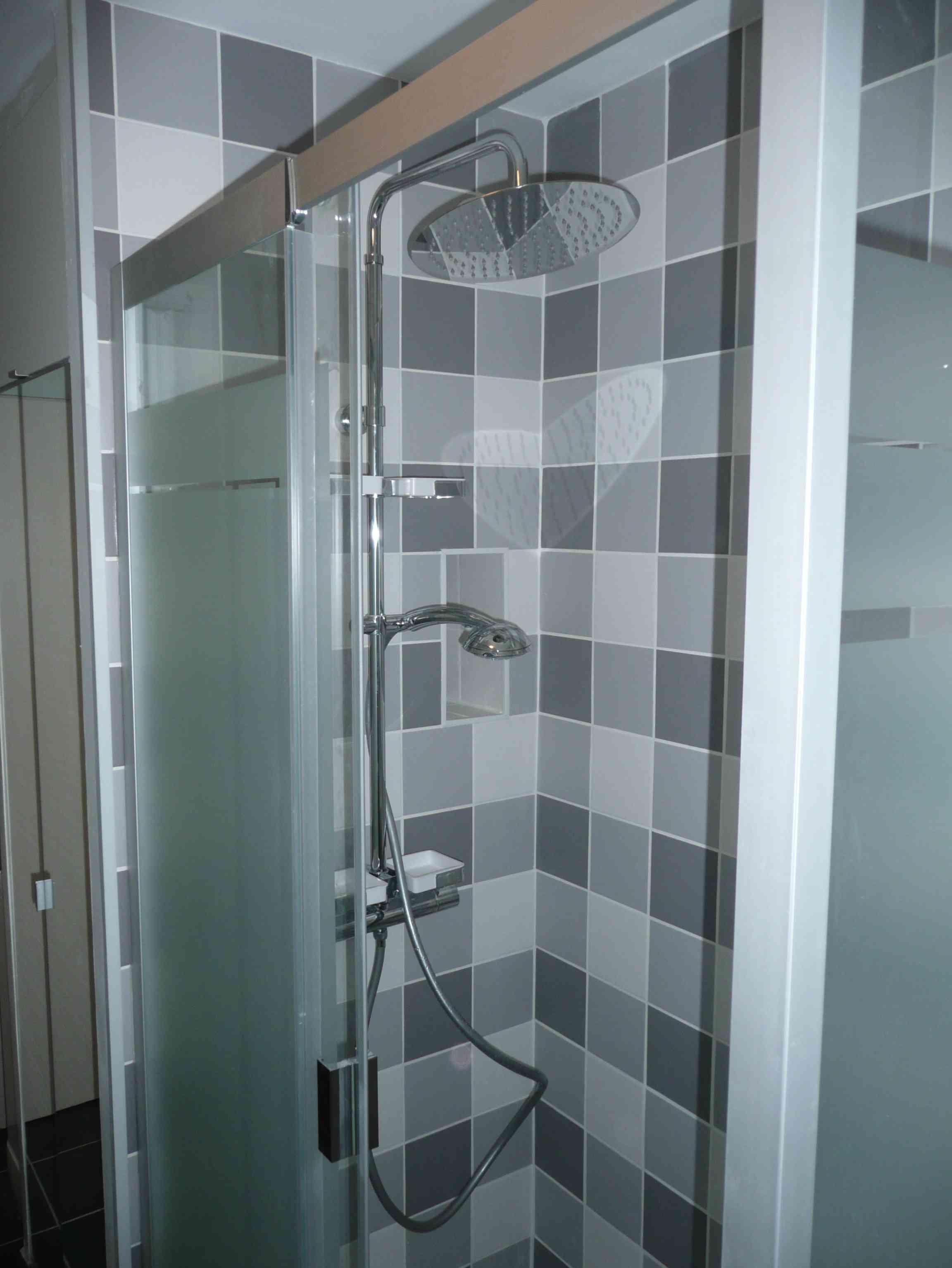 Salle de bain Lille douche carrelage vichy gris