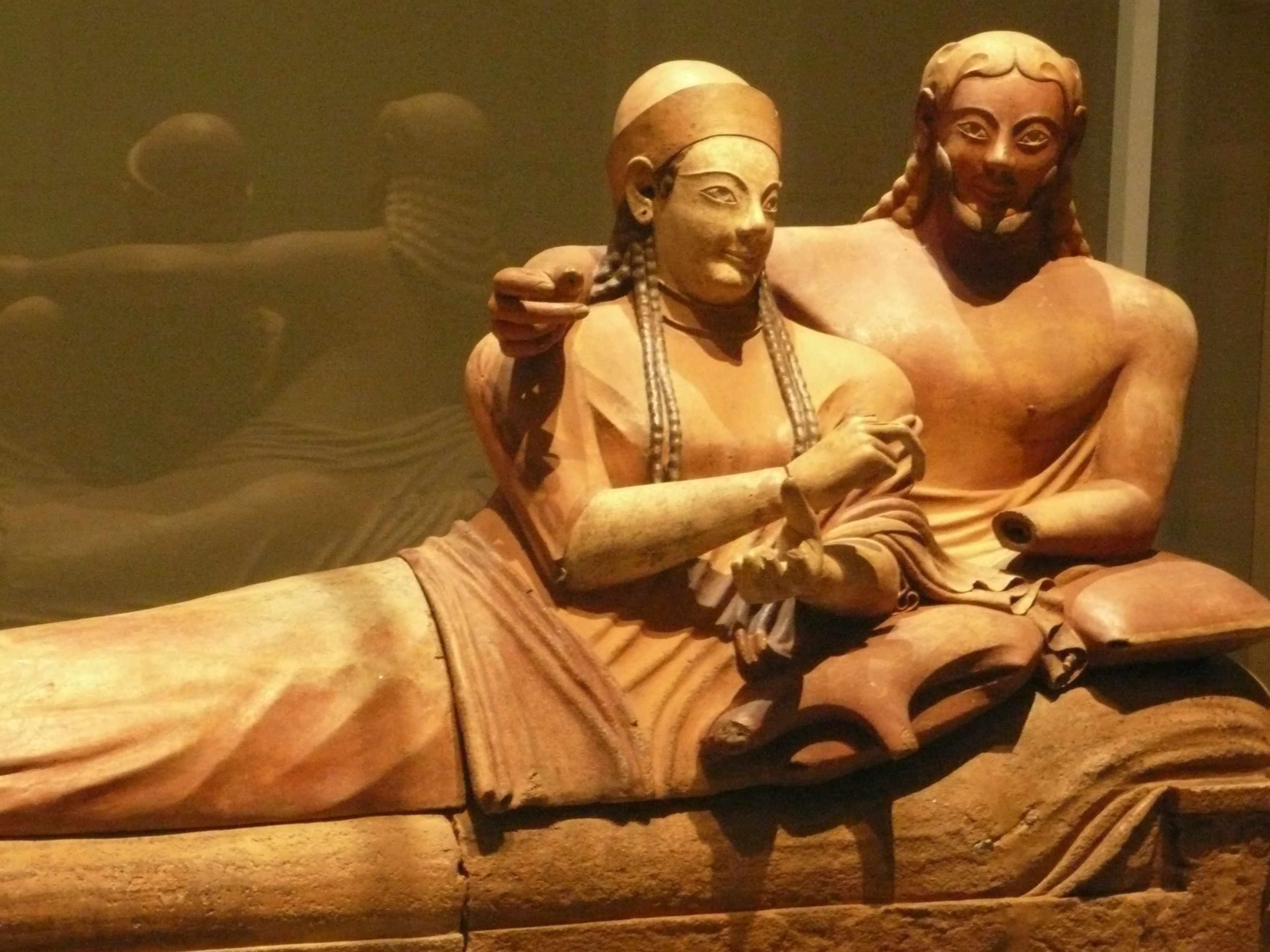 Sarcophage des epoux 530-520-AC Expo-Etrusques-Louvre-Lens-2014