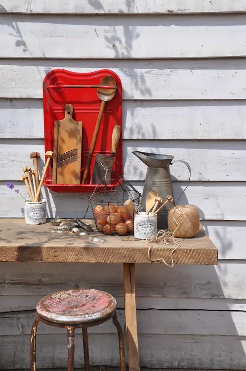 Touche de rouge Vintage HomeBarn via NatetNature