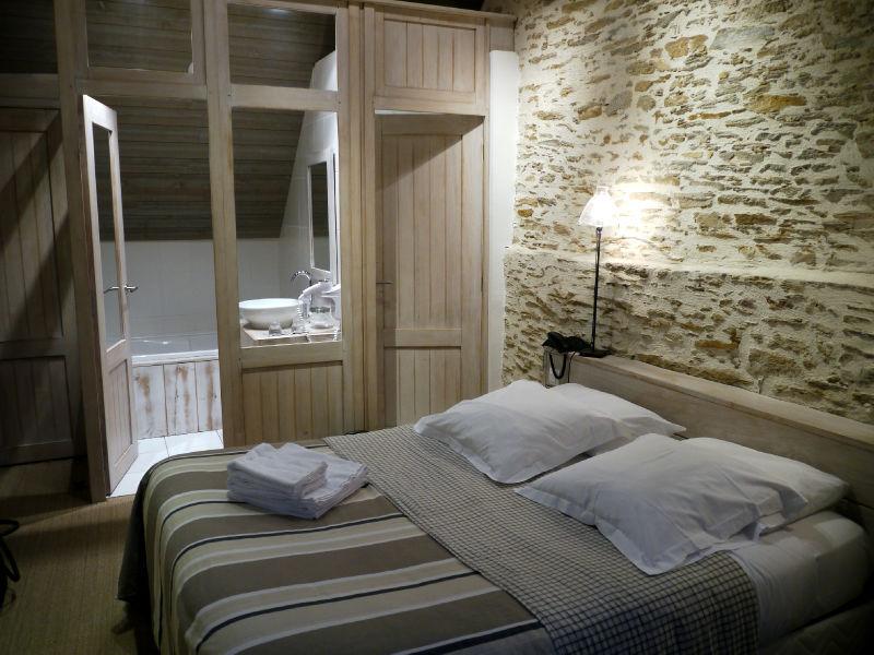 Ide suite parentale avec salle de bain et dressing design for Dressing entre chambre et salle de bain