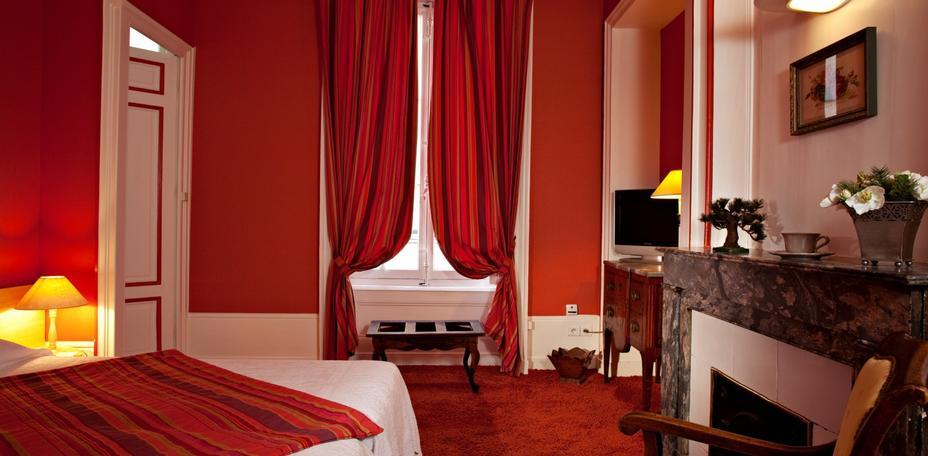 Hotel-Globe-et-Cecil Lyon Vente 2014 Art-et-decoration