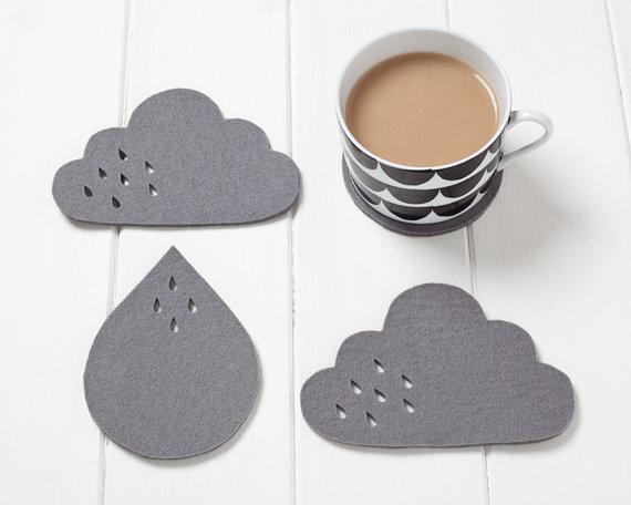 pygmy-cloud-sous-verre-nuage-et-goutte-pluie-feutre-gris-petit-cadeau-sympa-chiara-stella-home
