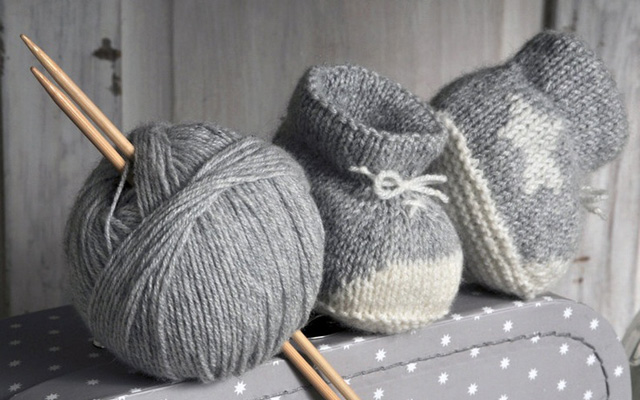 DIY-chaussons-bebe-gris-Mon-petit-nuage