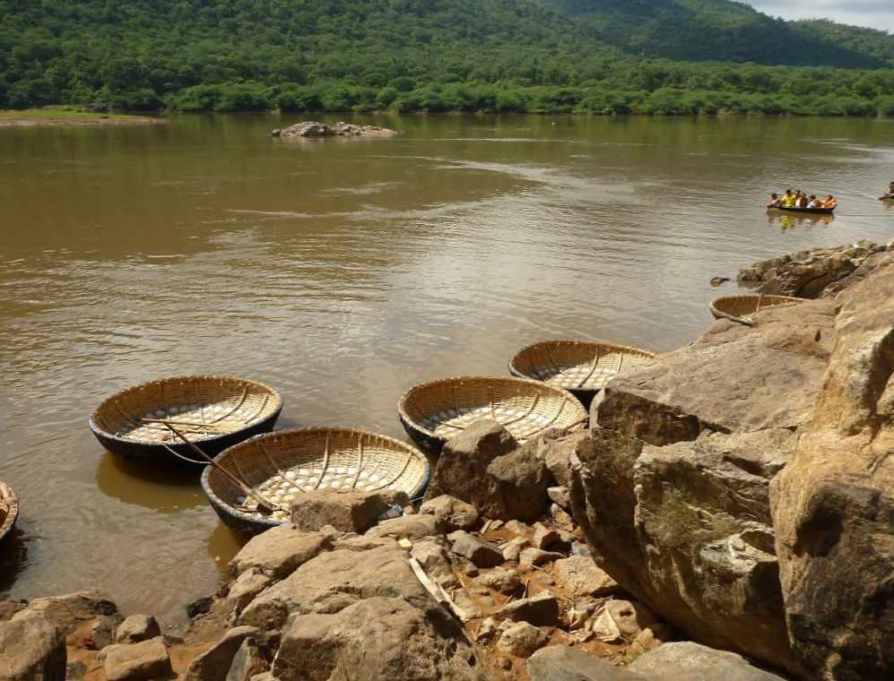 Hogenakkal falls Inde bateaux ronds