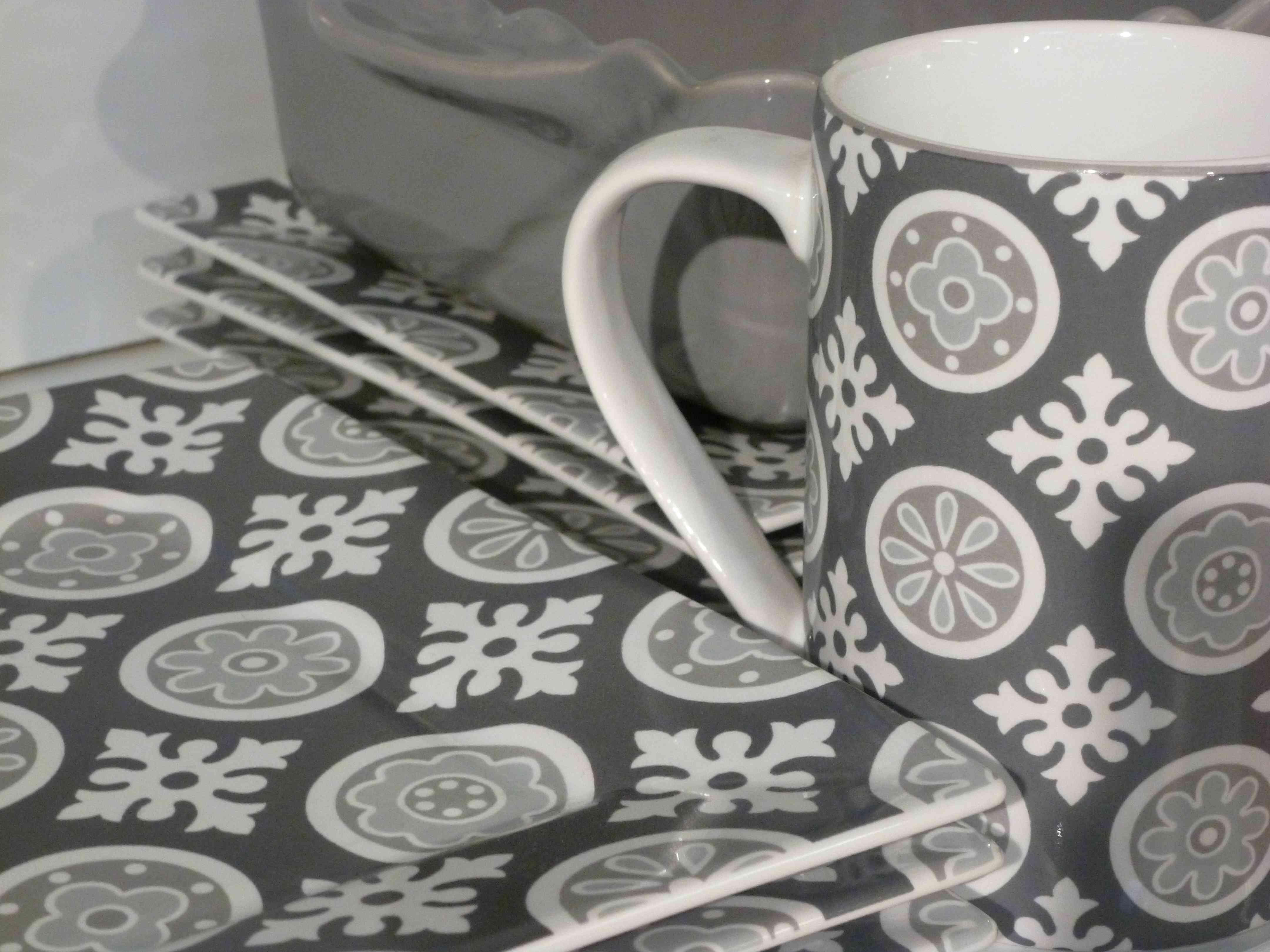 Alinea-vaisselle-Cimento-gris-2014