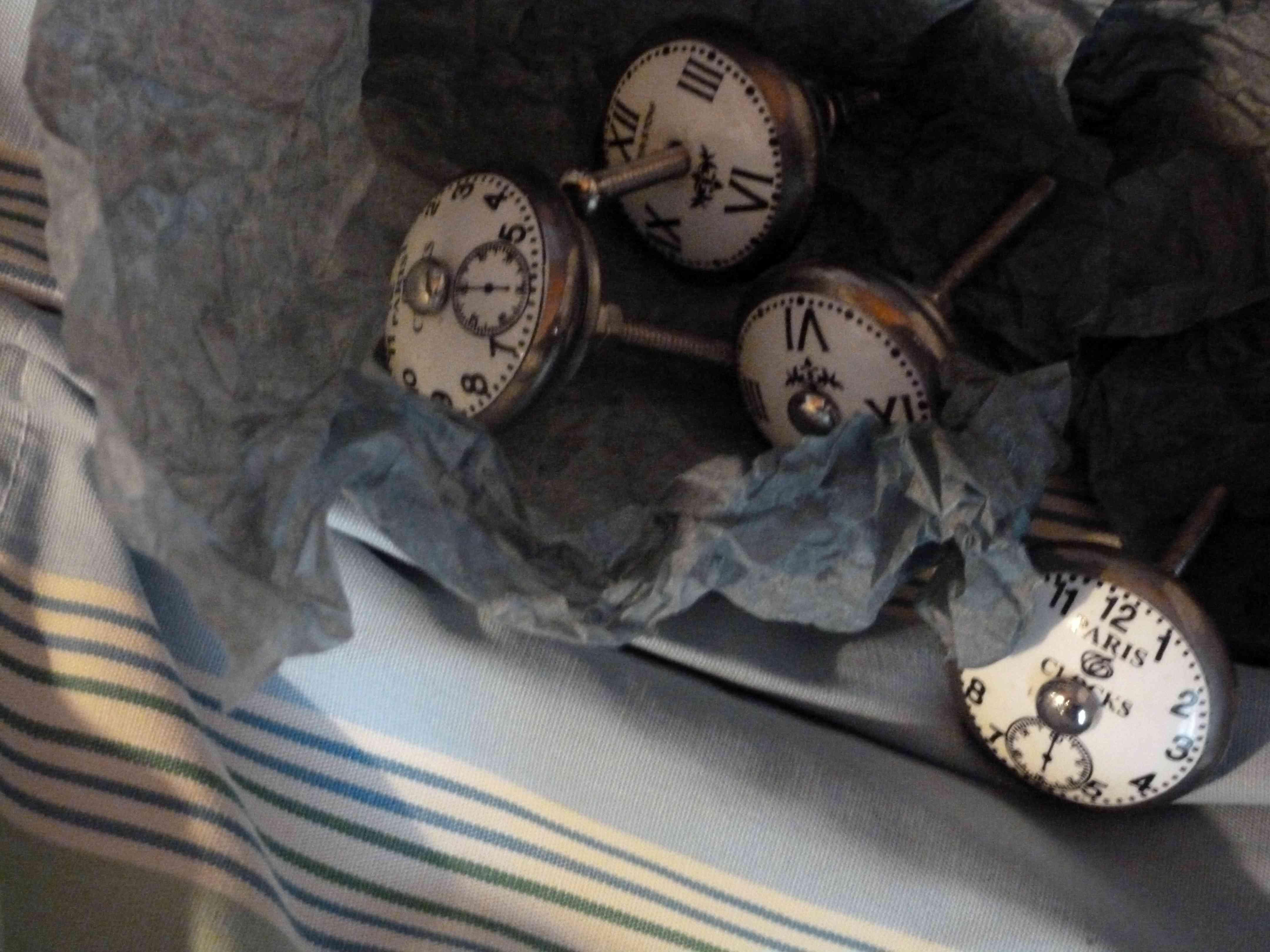 poignee-bouton-porte-horloge-Nain-de-jardin