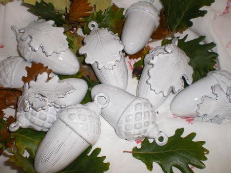 glands et feuilles de chene Reves-d-argile