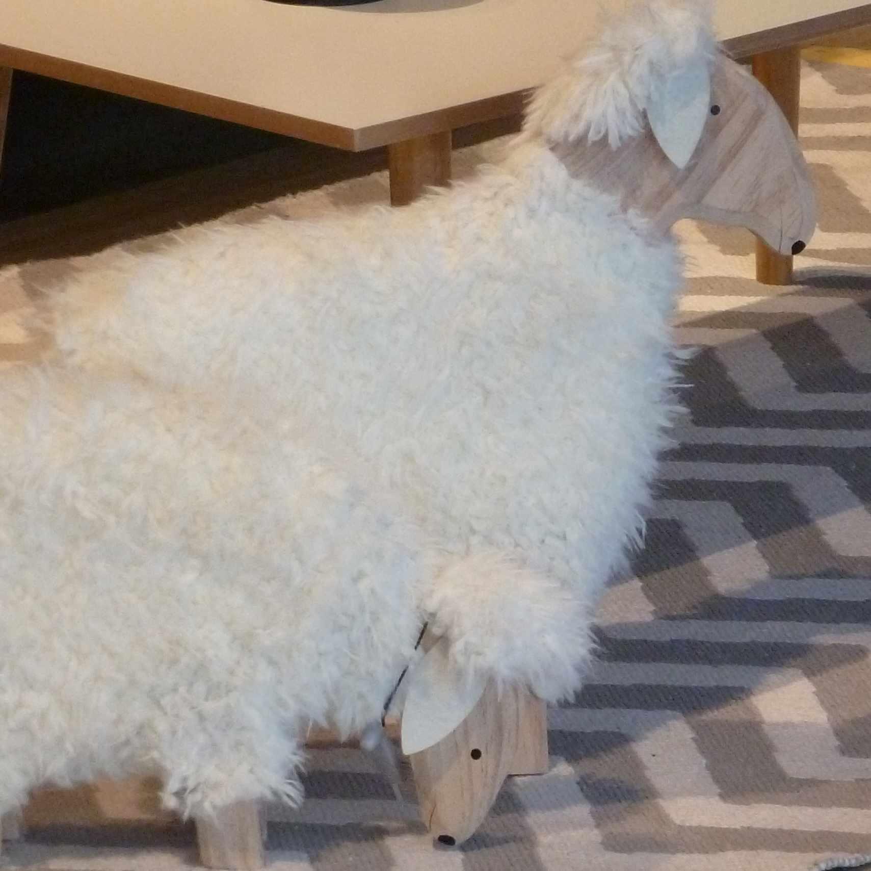 moutons bois-fourrure Maisons-du-monde