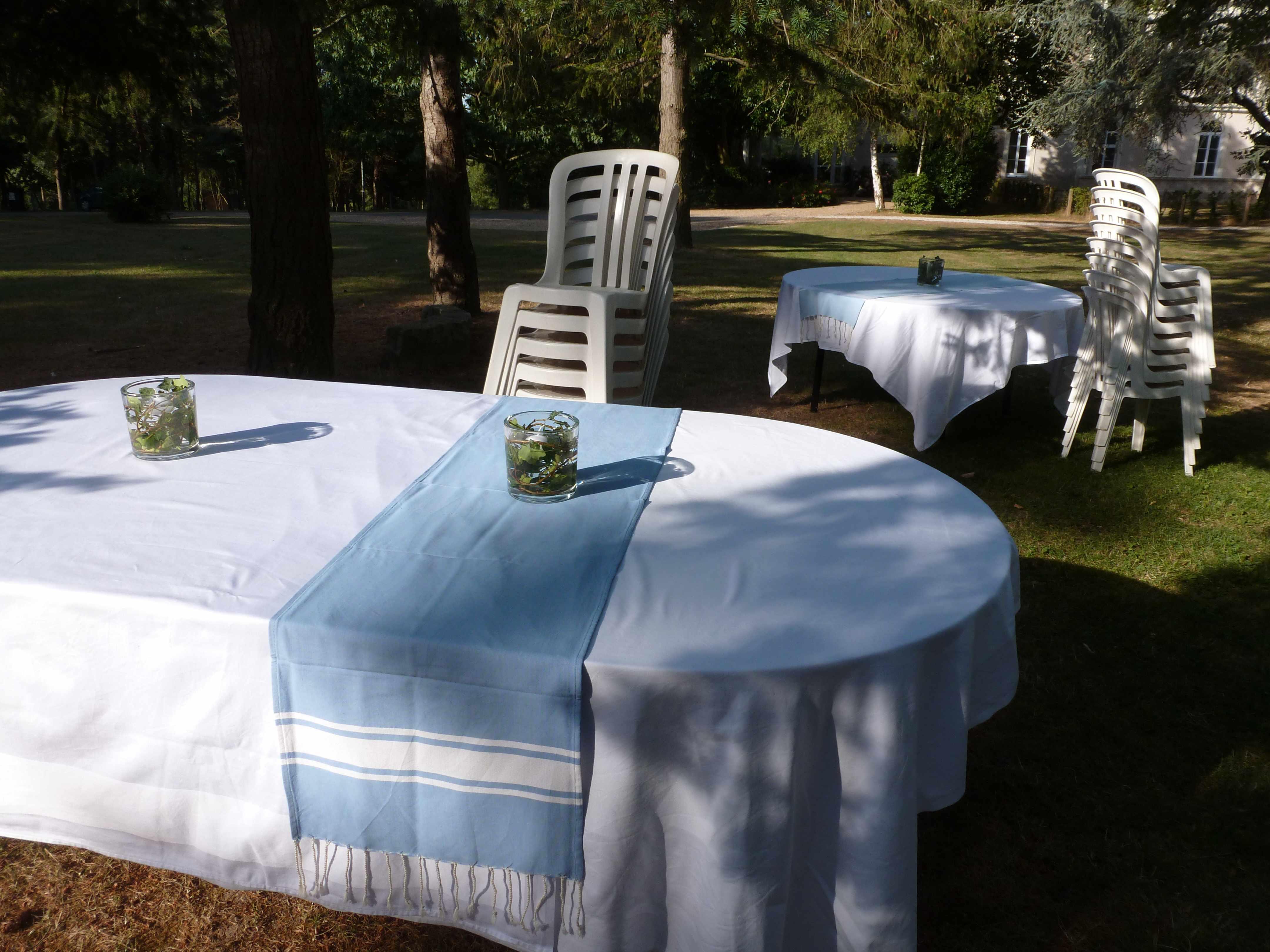 DECO FOUTAS mariage Marie preparatifs tables nappe-chemin-de-table