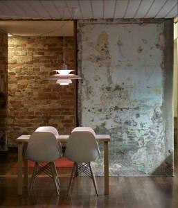 salle-c3a0-manger-murs-bruts-regards-et-maisons-via-archidaily1