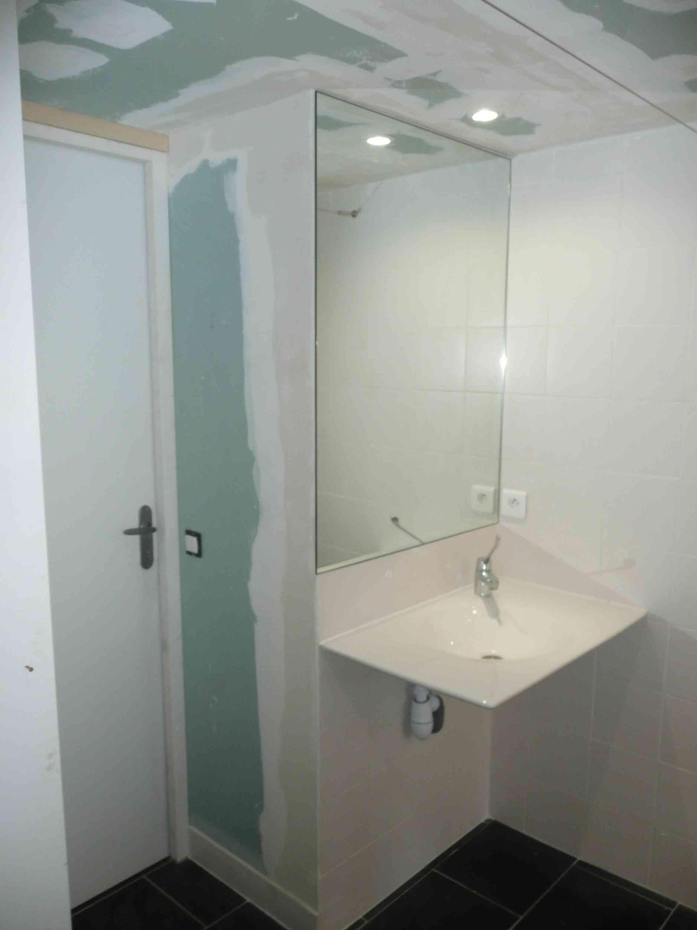 Salle De Bain Amenagee Handicap ~ salle d eau adapt e au handicap et chambre d appoint en vend e