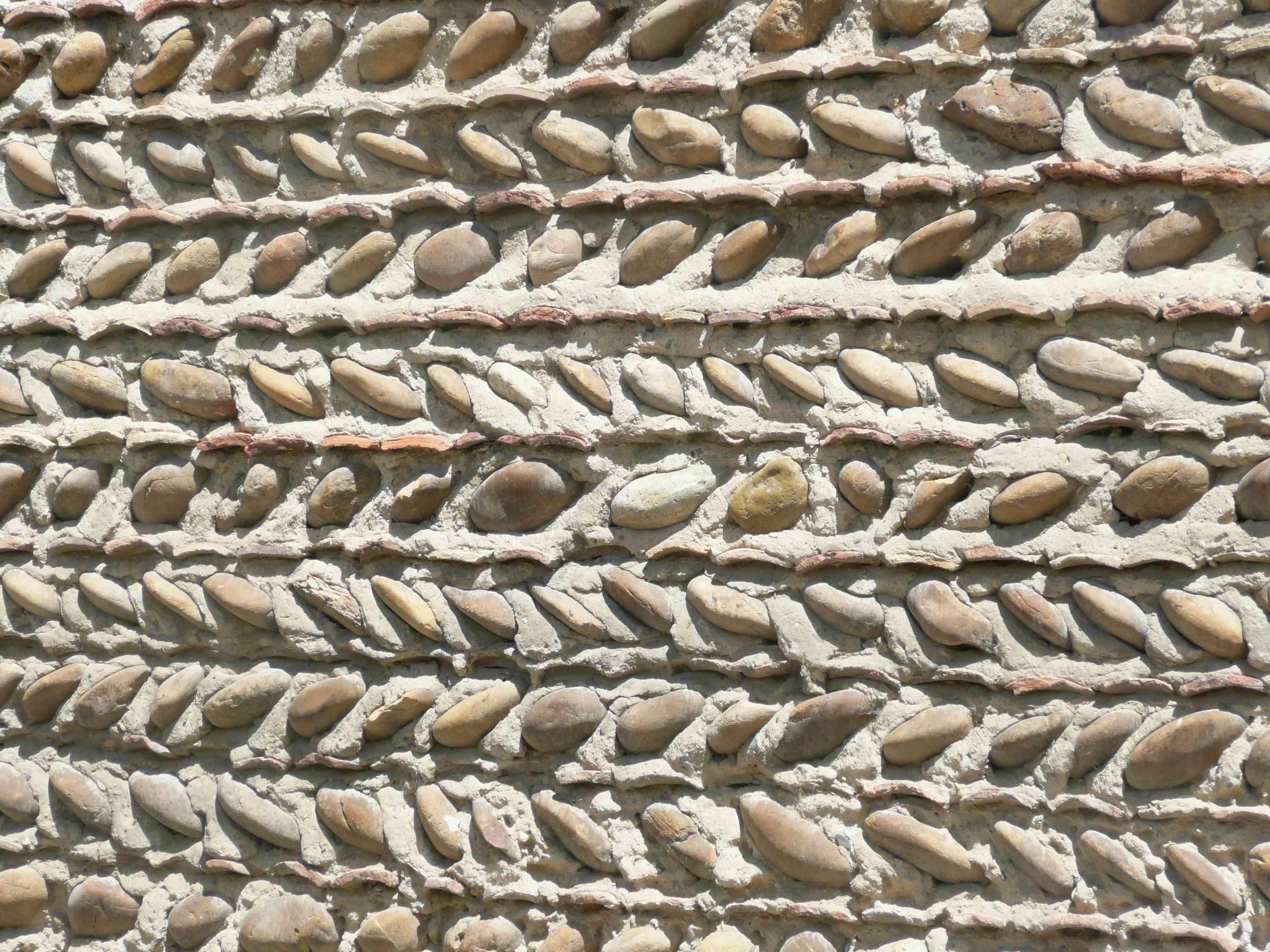 Moras-en-Valloire 2011 mur galets et tuiles H