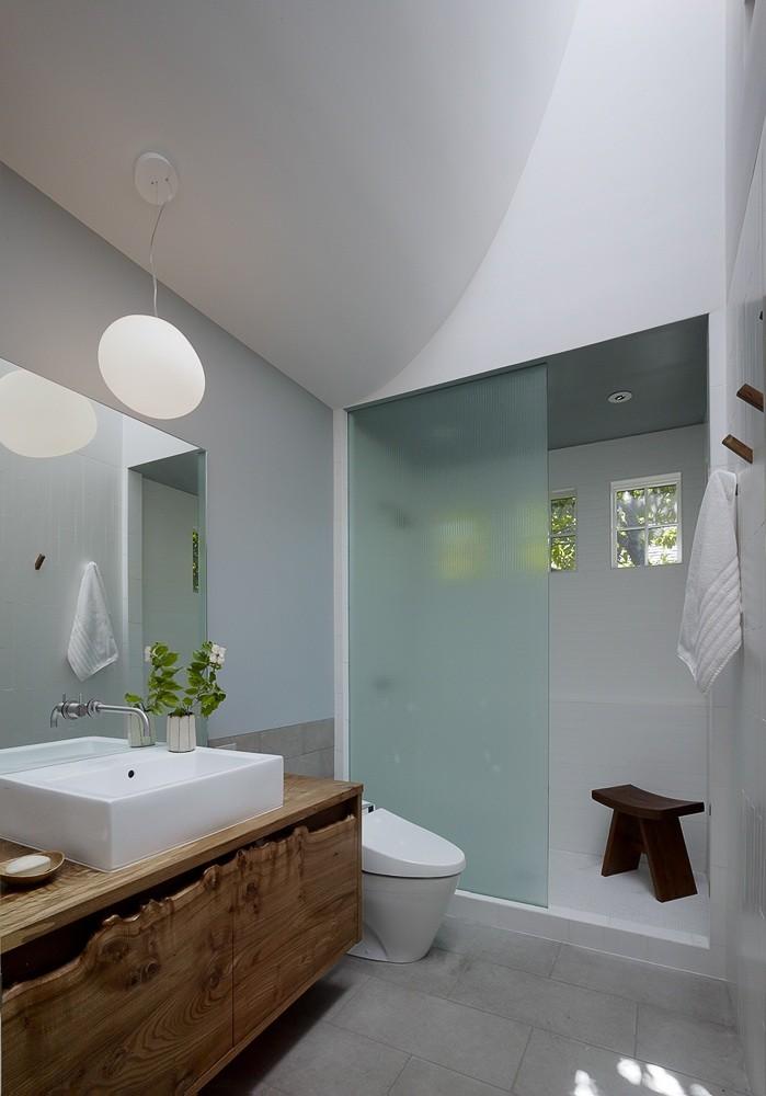 SDB_A Zen Bath Remodel in Berkeley_Remodelista