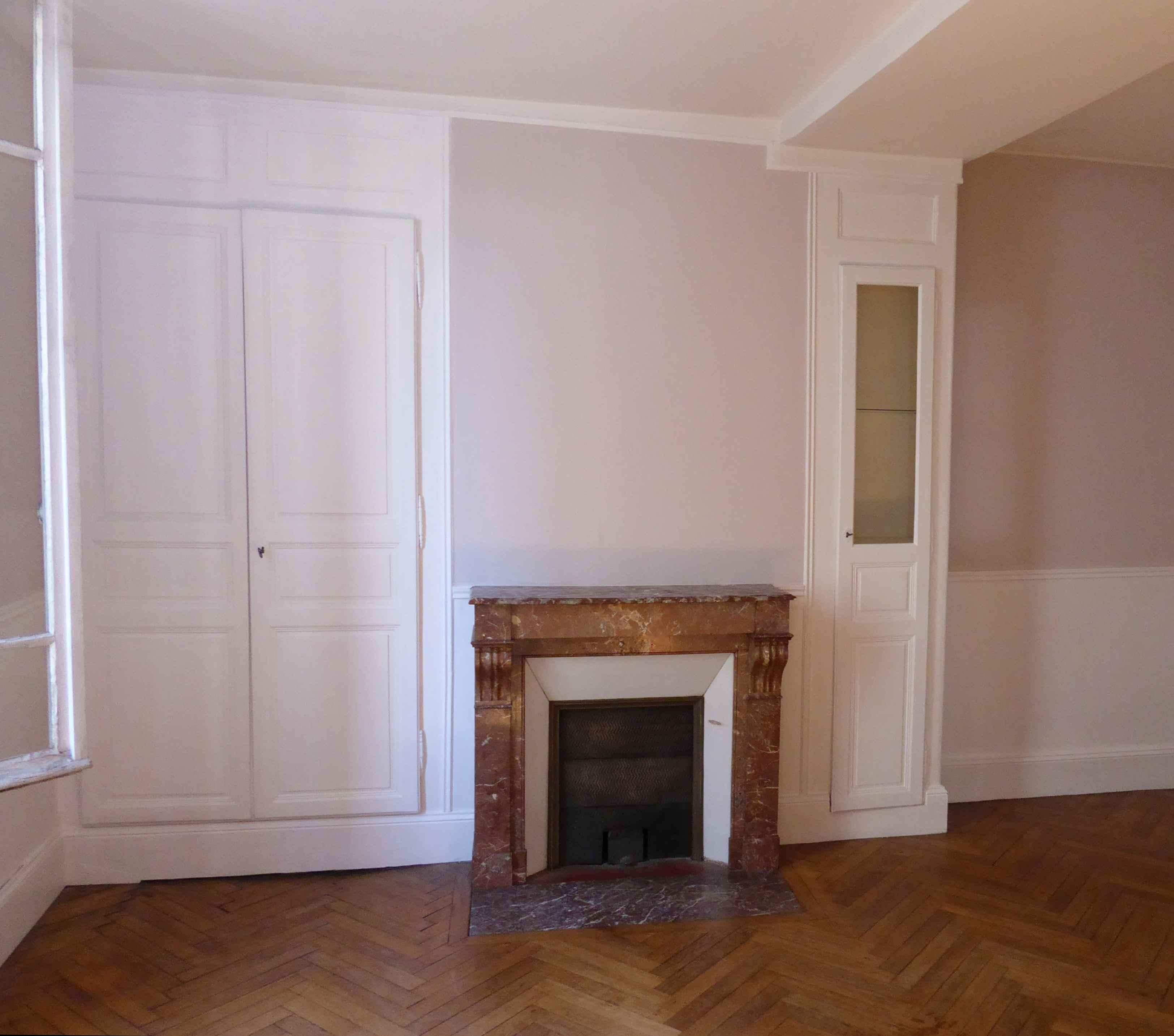 Séjour_murs_gris-beige_A-tous-les-étages