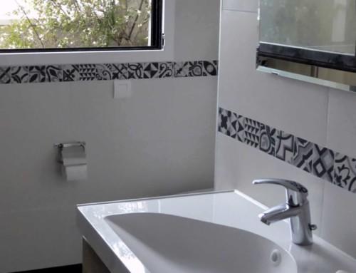 Salle d'eau avec buanderie à Issy-les-Moulineaux