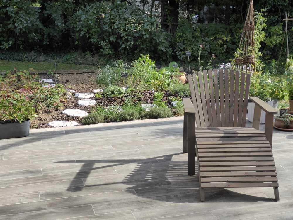 terrasse-carrelage-exterieur-imitation-parquet-blanchi