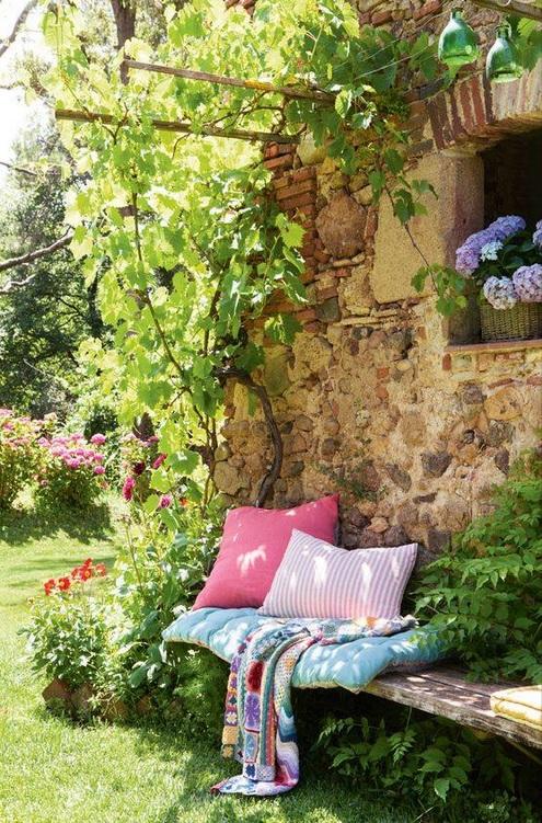 outdoor_La-melodie-d-Anna-et-Mina_Fbk