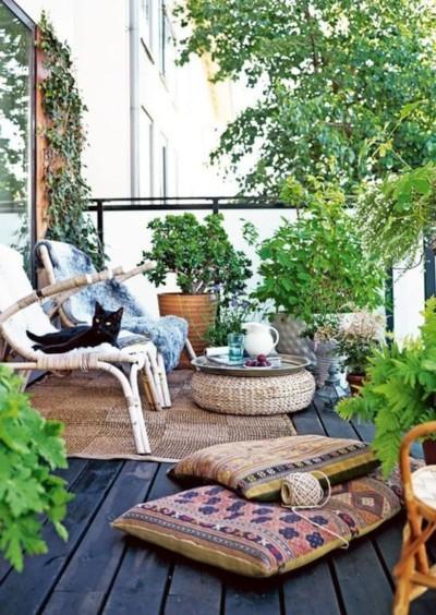 table-basse-rotin-plateau-cuivre-esprit-bohème-Pinterest-Cote-maison