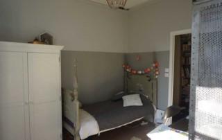 Chambre Bertille Après : lit et armoire inversés