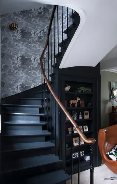 deco-bleu-et-noir-1_escalier_hirondelle-dans-les-tiroirs