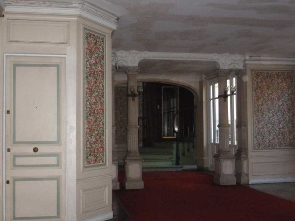 Hall_immeuble_art_nouveau_2016_Atouslesetages_avant_reno