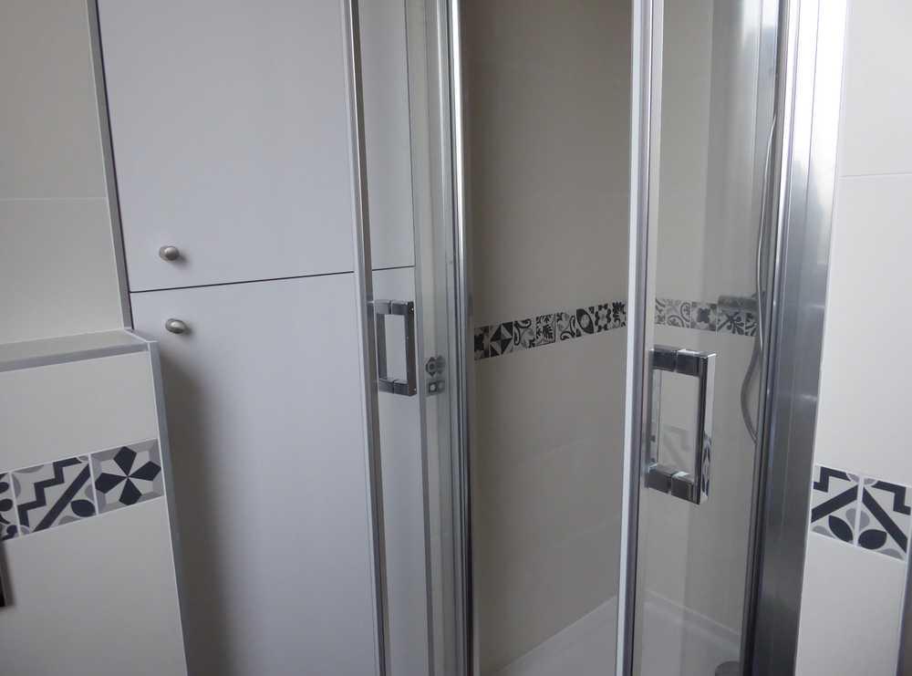 salle d 39 eau avec buanderie issy les moulineaux. Black Bedroom Furniture Sets. Home Design Ideas