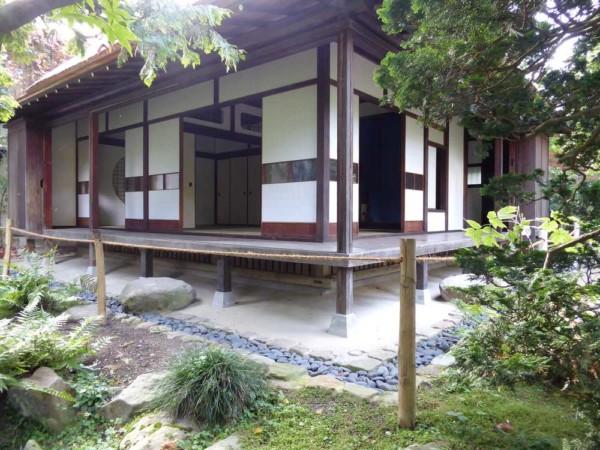 2019-10-18_Jardins-A-Kahn_jvillage-japonais_maison-pilotis