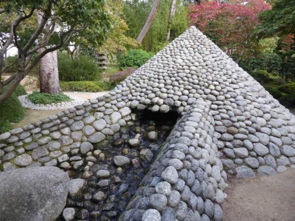 2019-10-18_Jardins-A-Kahn_jardin-japonais_cone-galets