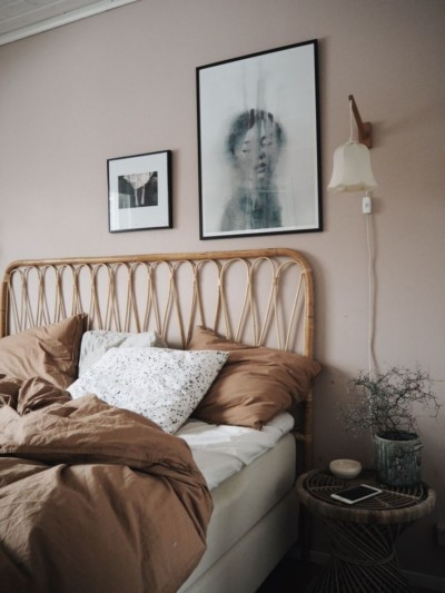 chambre-a-coucher-rose-beige-et-blanche_fr-Timelymag