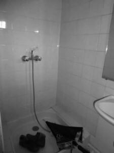 6 Vaucluse SDE douche avant renovation